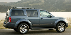 2010 Nissan Pathfinder Pictures
