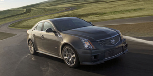 2010 Cadillac CTS Reviews / Specs / Pictures