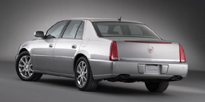 2009 Cadillac DTS Reviews / Specs / Pictures