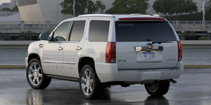 2009 Cadillac Escalade Reviews / Specs / Pictures