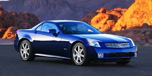 2004 Cadillac XLR Reviews / Specs / Pictures