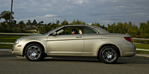 2009 Chrysler Sebring Reviews / Specs / Pictures