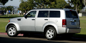 Dodge Nitro Reviews / Specs / Pictures