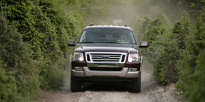 2009 Ford Explorer Reviews / Specs / Pictures