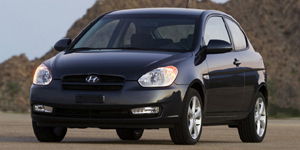 2008 Hyundai Accent Reviews / Specs / Pictures