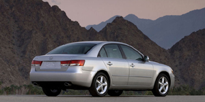 2007 Hyundai Sonata Reviews / Specs / Pictures