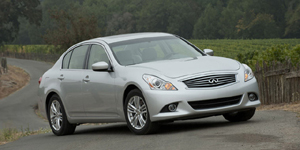 Infiniti G Reviews / Specs / Pictures