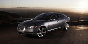 2009 Jaguar XF Pictures