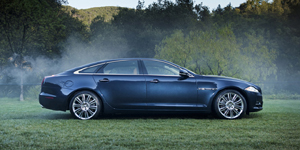 Jaguar XJ Reviews / Specs / Pictures
