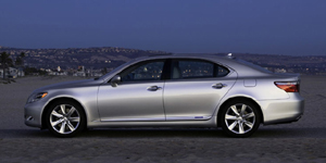 2009 Lexus LS Reviews / Specs / Pictures