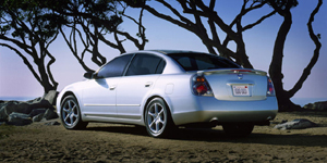 2004 Nissan Altima Reviews / Specs / Pictures