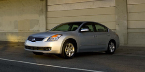 2008 Nissan Altima Reviews / Specs / Pictures