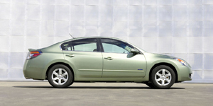 2009 Nissan Altima Reviews / Specs / Pictures