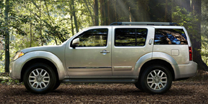 2009 Nissan Pathfinder Reviews / Specs / Pictures