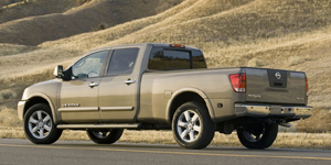 Nissan Titan Reviews / Specs / Pictures