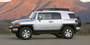 2008 Toyota FJ Cruiser Reviews / Specs / Pictures