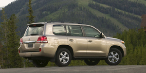 Toyota Land Cruiser Reviews / Specs / Pictures