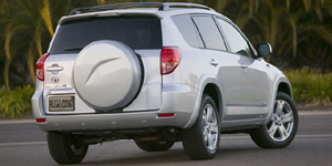 2007 Toyota RAV4 Reviews / Specs / Pictures