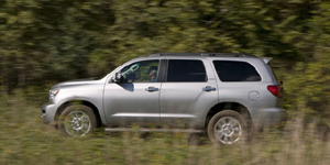 2009 Toyota Sequoia Reviews / Specs / Pictures
