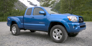 2005 Toyota Tacoma Reviews / Specs / Pictures