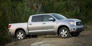 2009 Toyota Tundra Reviews / Specs / Pictures