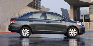 Toyota Yaris Reviews / Specs / Pictures