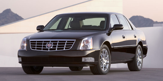 2010 Cadillac DTS Pictures