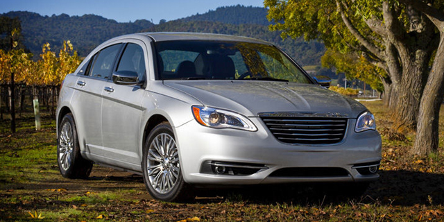 2011 Chrysler 200 Pictures