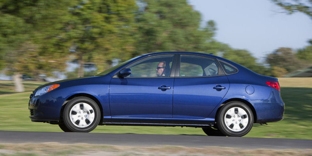 2010 Hyundai Elantra Pictures