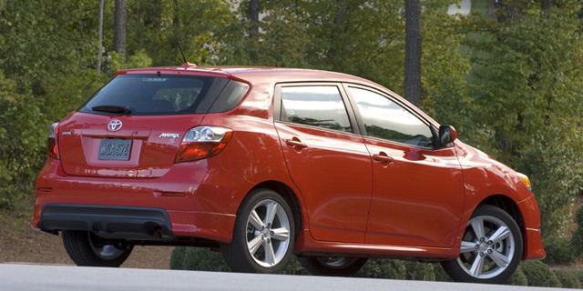 toyota matrix s awd xrs reviews specs pictures. Black Bedroom Furniture Sets. Home Design Ideas
