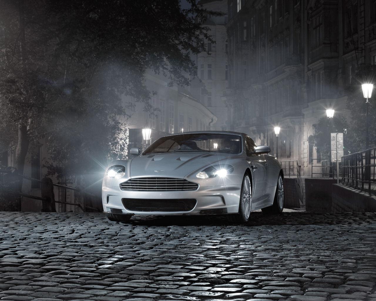 Aston Martin DBS Desktop
