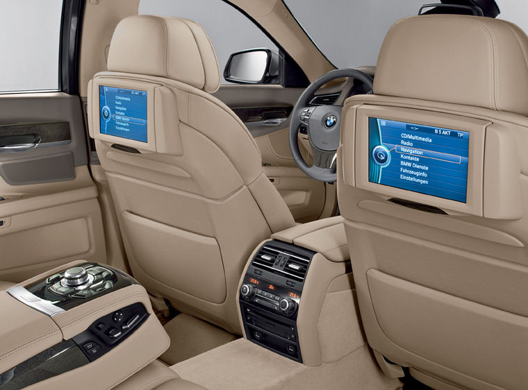 2009 BMW 7-Series Rear Seat Entertainment - Picture / Pic / Image