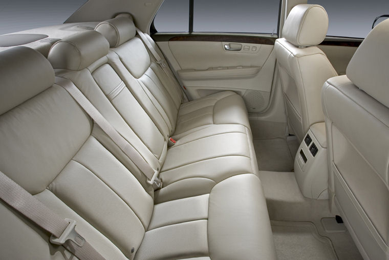 2010 Cadillac Dts Rear Seats Picture Pic Image