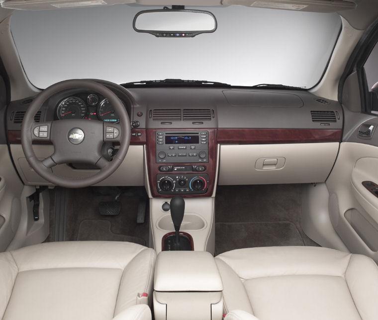 2008 Chevrolet Cobalt Sedan Cockpit - Picture / Pic / Image