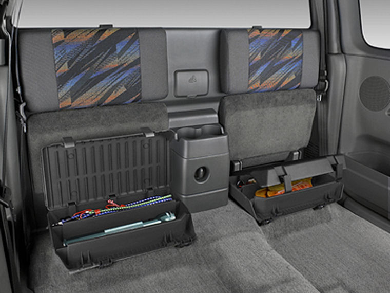 2004 Chevrolet Colorado Extended Cab Rear Seats Picture
