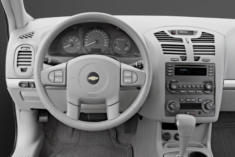 2006 Chevrolet (Chevy) Malibu Maxx Cockpit Picture