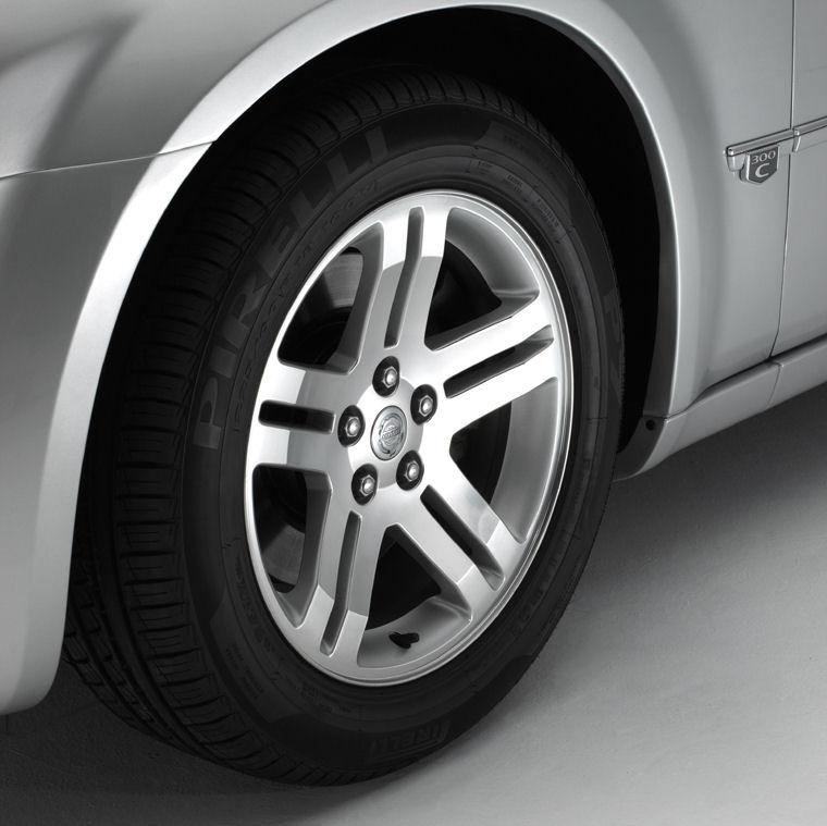 2006 Chrysler 300C Rim