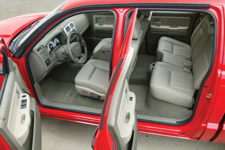 Lexus Hybrid Suv >> 2005 Dodge Dakota Quad Cab Laramie Interior - Picture ...