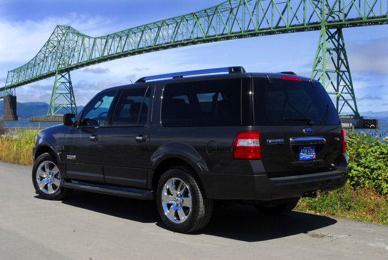 Ford Expedition El Picture