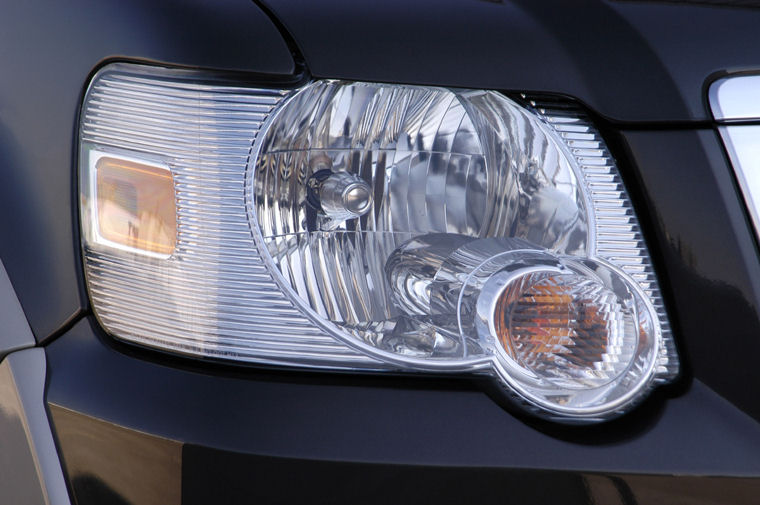 2009 Ford Explorer Headlight Picture