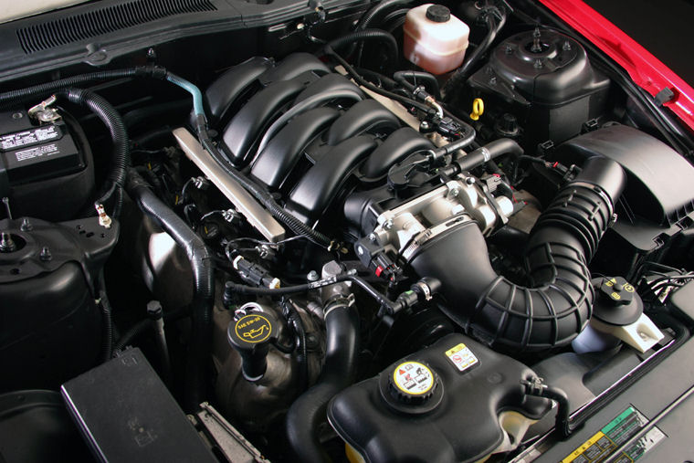 2006 ford mustang gt 4 6l v8 engine   pic    image