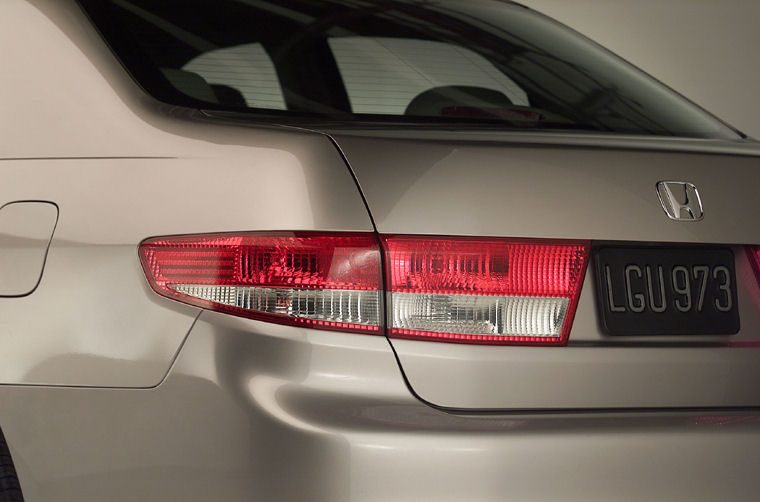 2004 Honda Accord Tail Light Picture