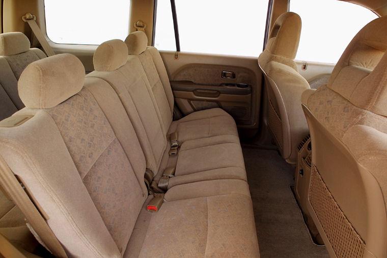 2004 honda pilot rear seats picture pic image. Black Bedroom Furniture Sets. Home Design Ideas