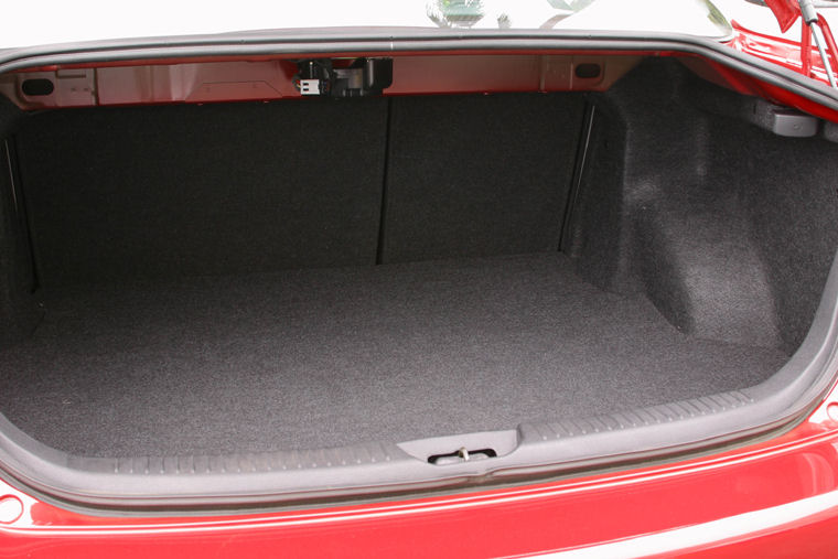 2004 Mazda 6i Sedan Trunk Picture Pic Image