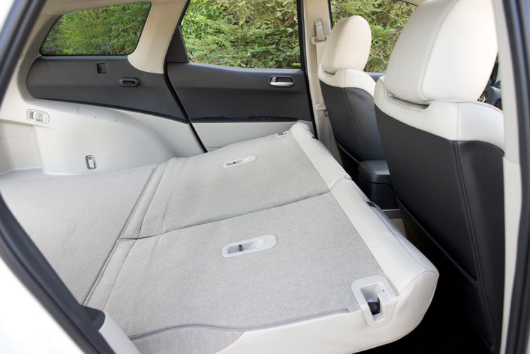 2009 mazda cx7 rear seats folded picture pic image. Black Bedroom Furniture Sets. Home Design Ideas