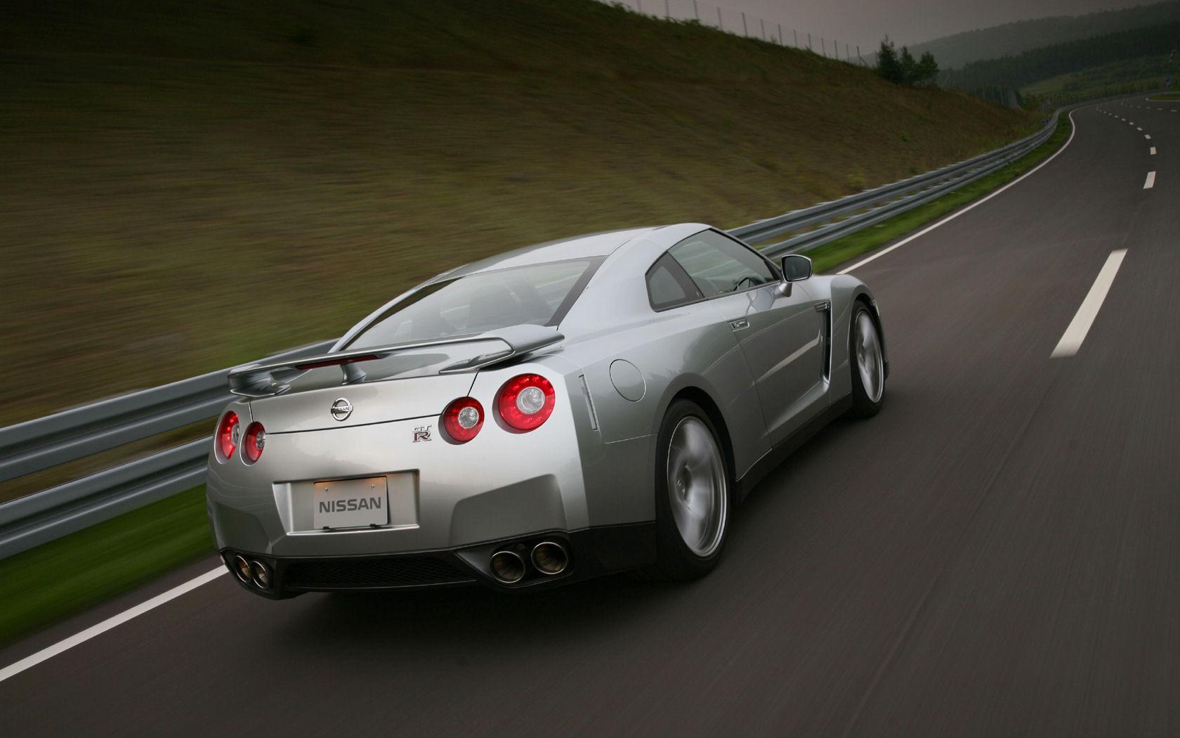 Nissan GT-R Desktop Wallpaper