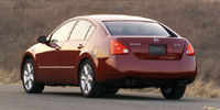 2005 Nissan Maxima Pictures