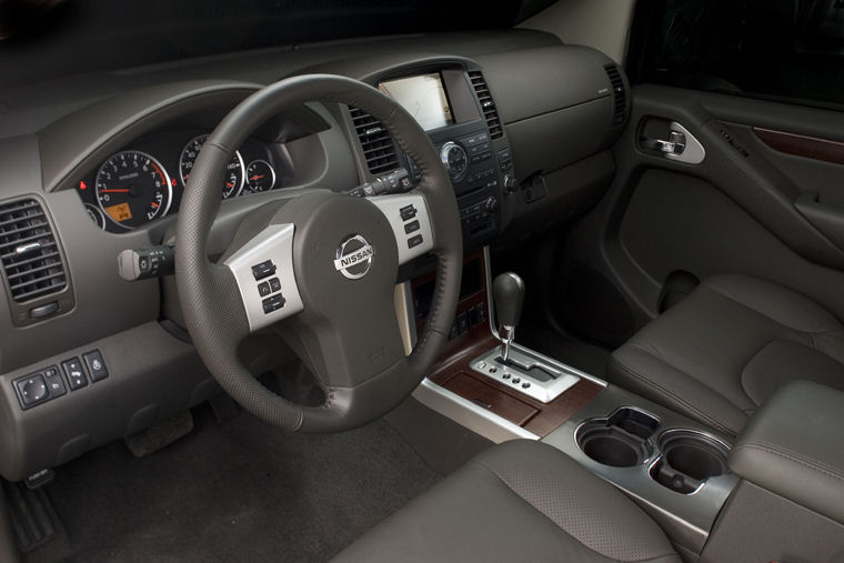 2010 Nissan Pathfinder Interior Picture