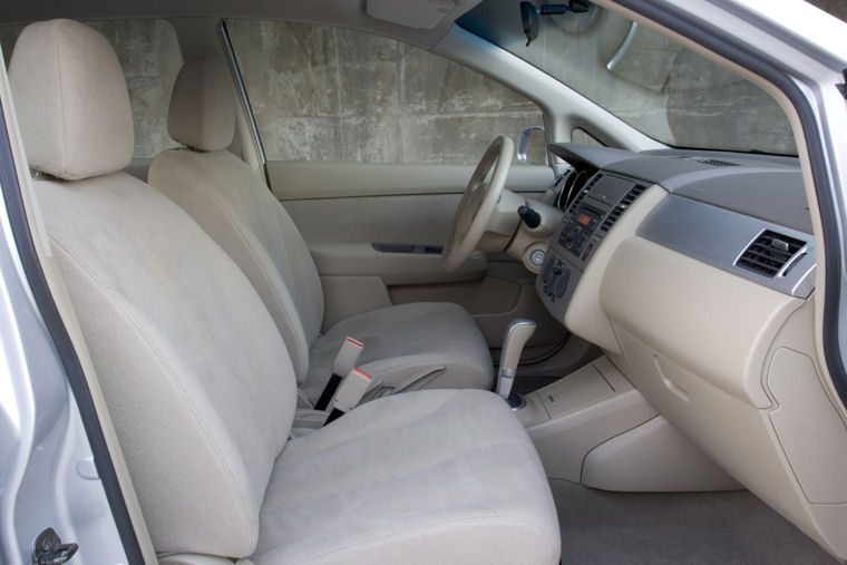 2008 Nissan Versa Hatchback Front Seats Picture Pic Image