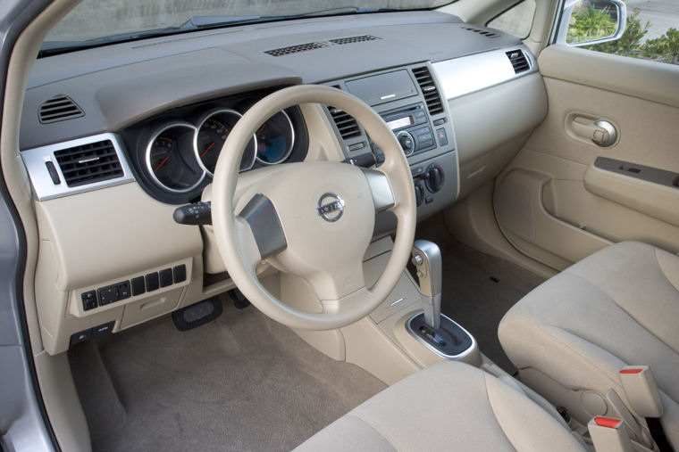 Captivating 2009 Nissan Versa Hatchback Interior Picture